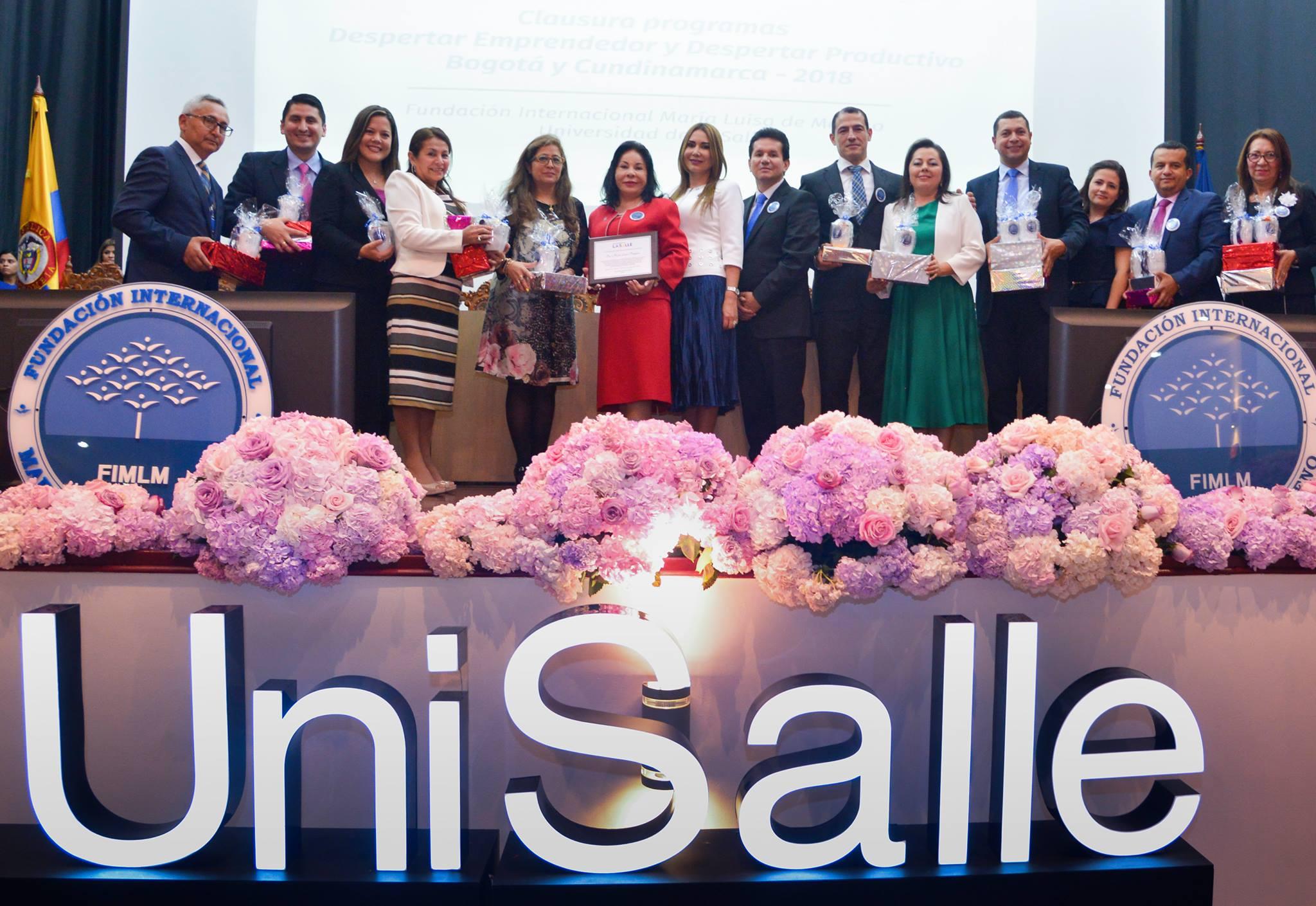 Reconocimiento y graduación de mas de 1000 personas en la Universidad de la Salle (7)